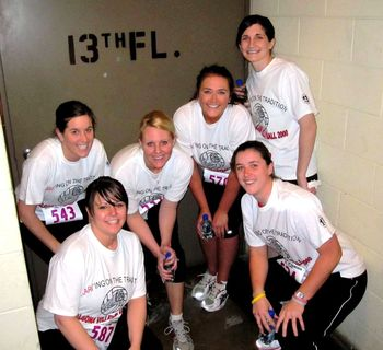 Kari_VBallTeammates2010_On13a